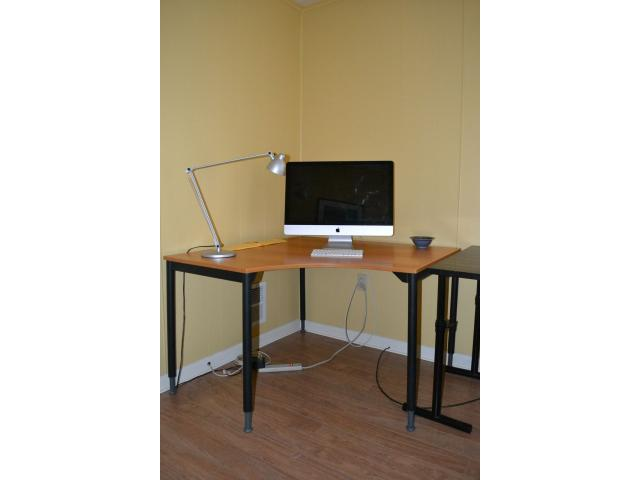 Hunterdon Buy Sell Trade >> Computer Corner Table In Clinton Hunterdon County New