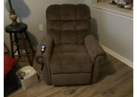 Power recliner/ power lift chair